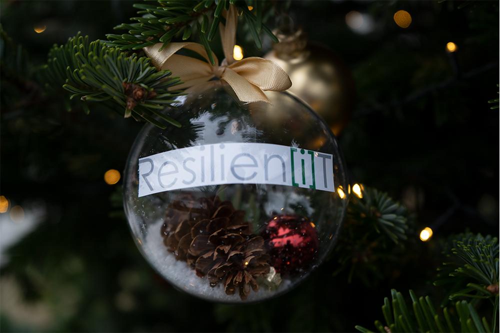 resilien [i]T